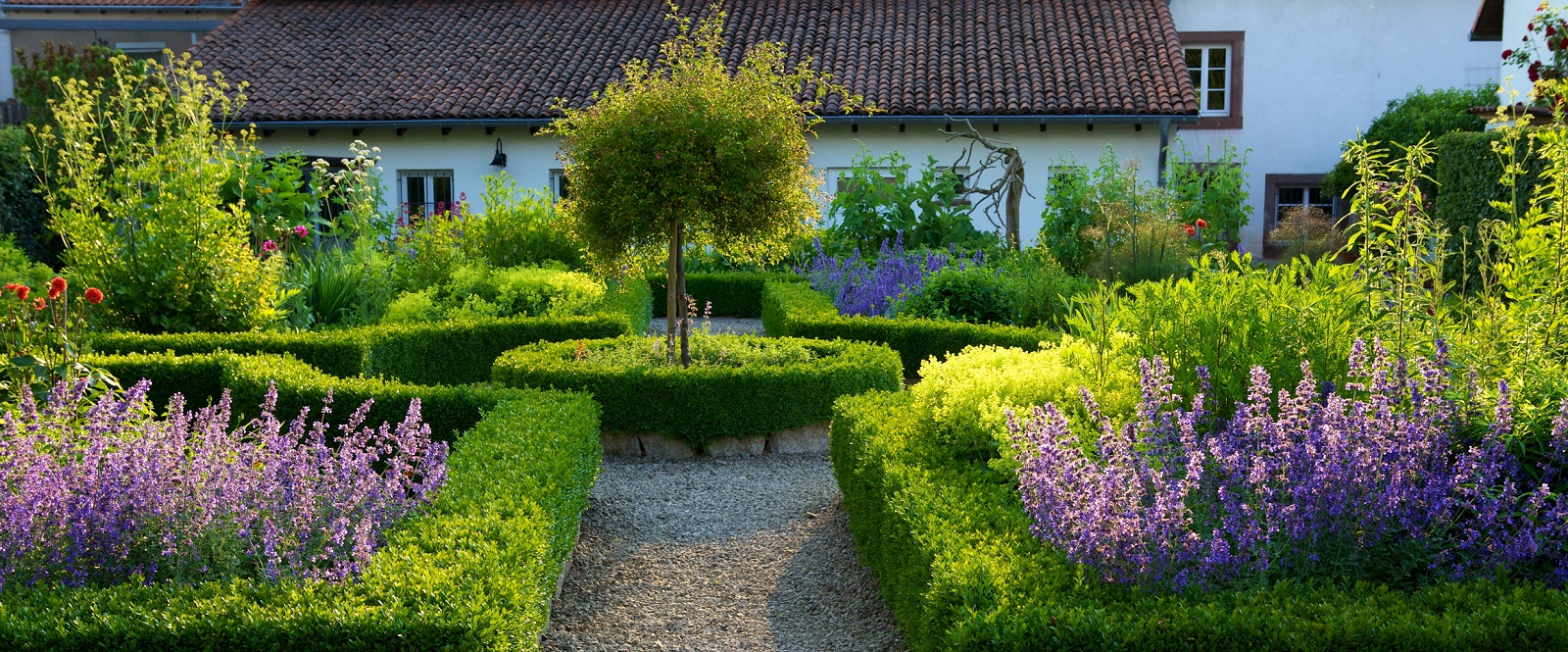 Am nager son jardin les cl s pour r ussir plan de maison for Amenager son jardin en normandie