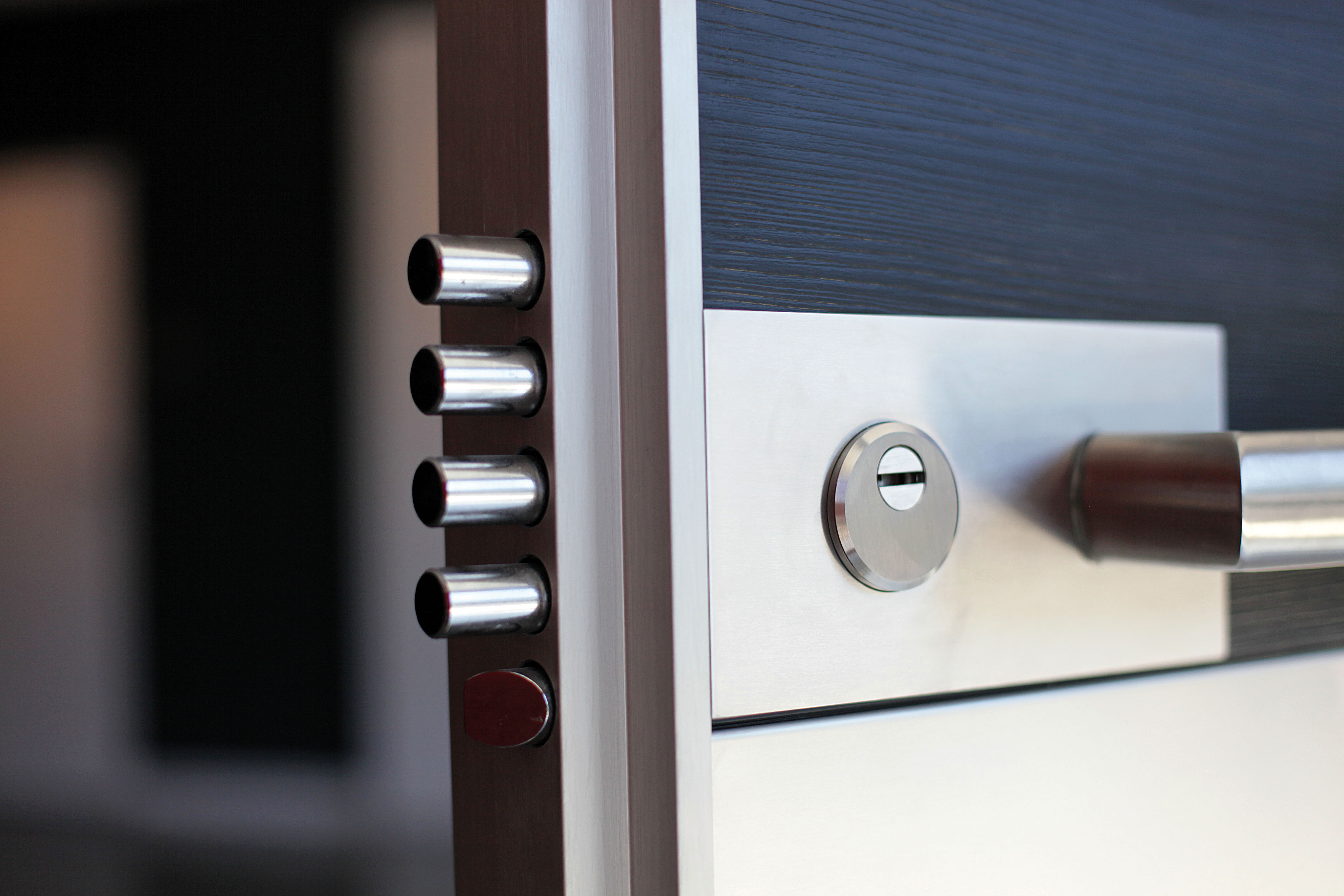 comment choisir une bonne serrure pour votre porte d entr e plan de maison. Black Bedroom Furniture Sets. Home Design Ideas