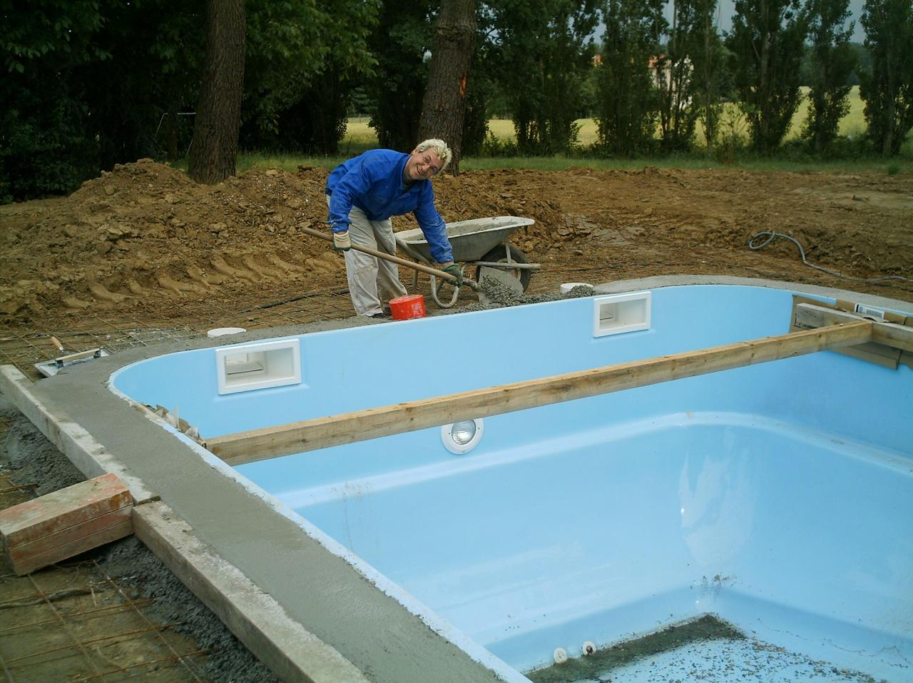 Travaux d une piscine coque comment s y prendre for Photo piscine