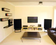 cr er une salle de jeu chez soi plan de maison. Black Bedroom Furniture Sets. Home Design Ideas