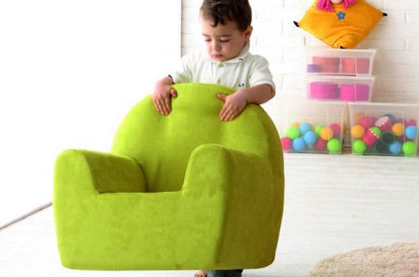 relookez votre chambre d enfant en y installant un. Black Bedroom Furniture Sets. Home Design Ideas