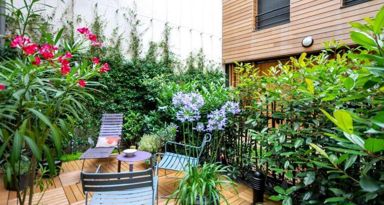 bien am nager son balcon plan de maison. Black Bedroom Furniture Sets. Home Design Ideas